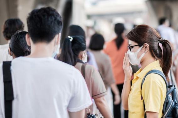 população com perda de olfato e paladar por causa de COVID-19