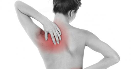 Dor nas costas abaixo do ombro